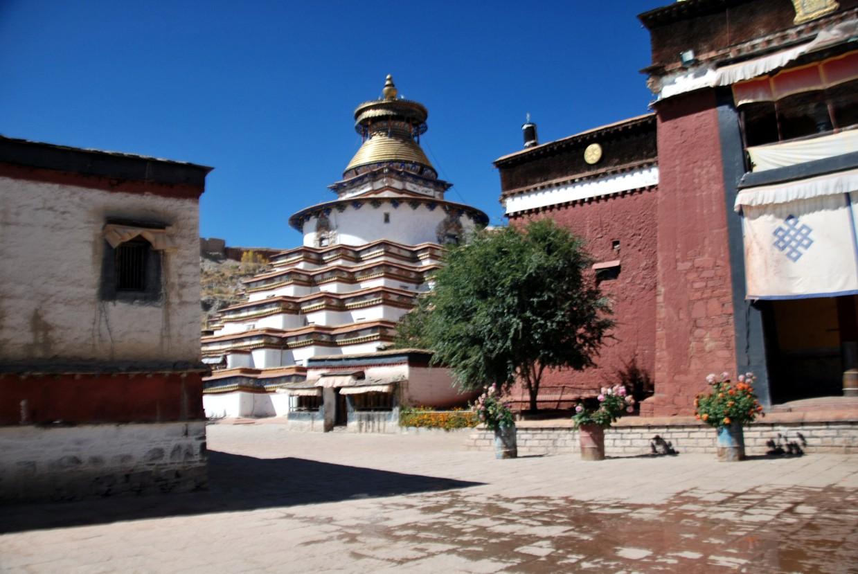 Gynatse_stupa_kumbum