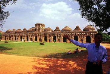 Indie_poludniowe_Vijayanagar_stajnie_dla_sloni
