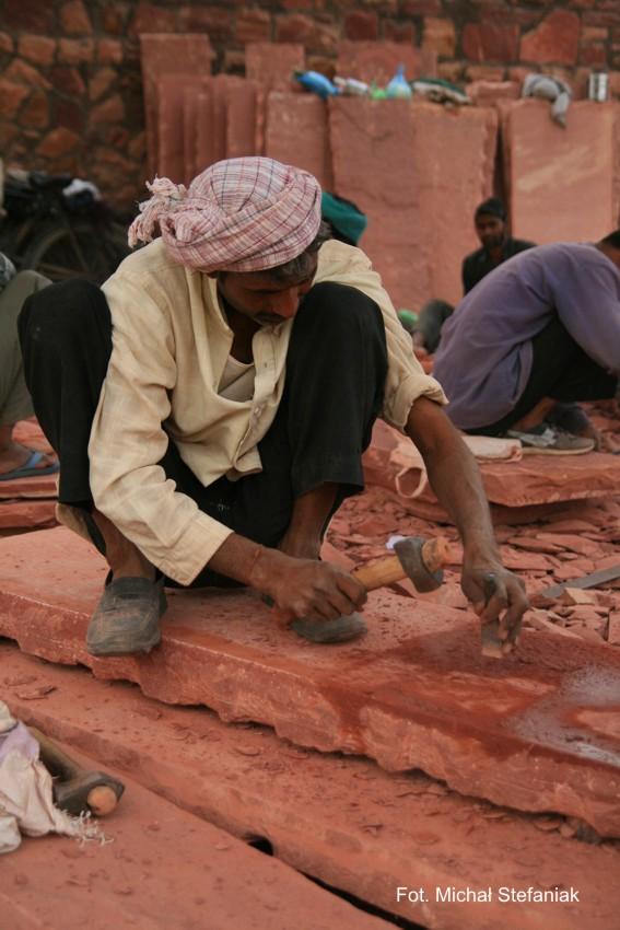 Agra - prace renowacyjne Czerwonego Fortu